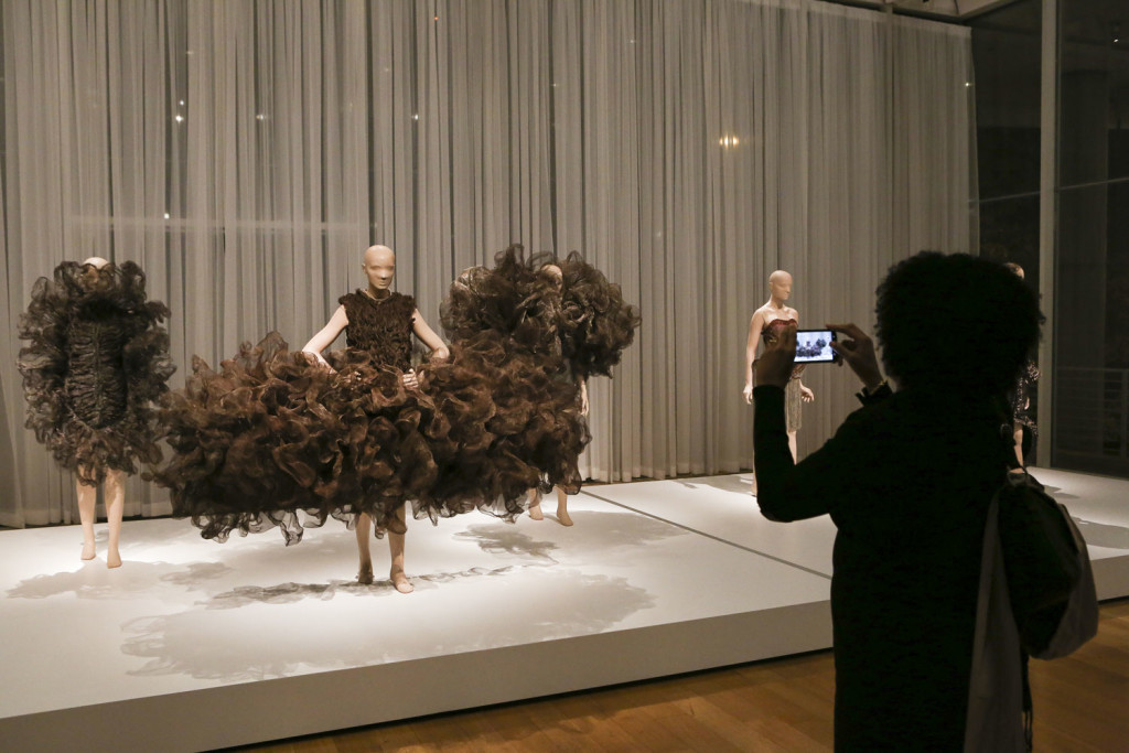 Refinery Smoke, Iris Van Herpen (photo: CatMax Photography)